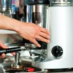 Quer comprar uma máquina de café expresso? Confira esse guia!