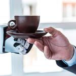 O café servido por robôs