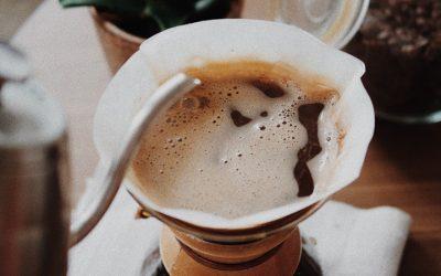 Como preparar café de qualidade com sabores únicos?